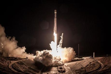 L'espace compte aujourd'hui seulement 1.740 satellites actifs et près de 2.500 inactifs. (Photo: SpaceX)