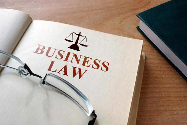Les start-up sont confrontées à des problématiques juridiques qui tournent au casse-tête en l'absence d'experts du droit dans leurs équipes. (Photo: Fotolia / designer 491)