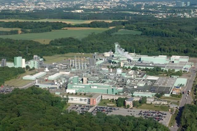 Au Luxembourg, DuPont emploie plus d'un millier d'employés sur son site de Contern. (Photos: archives paperJam)