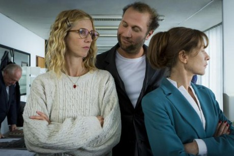 Sandrine Kiberlain, François Damiens et Isabelle Huppert se partagent l'affiche de cette comédie policière. (Photo: Iris Group / Les Films Pelléas)