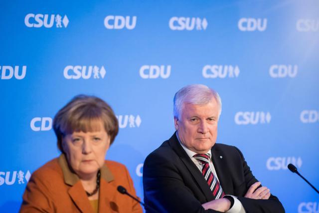 Le bras de fer engagé politique entre Angela Merkel (CDU) et Horst Seehofer (CSU) s'est officiellement achevé lundi soir avec un accord renforçant la lutte contre l'immigration illégale. (Photo: Licence C.C.)