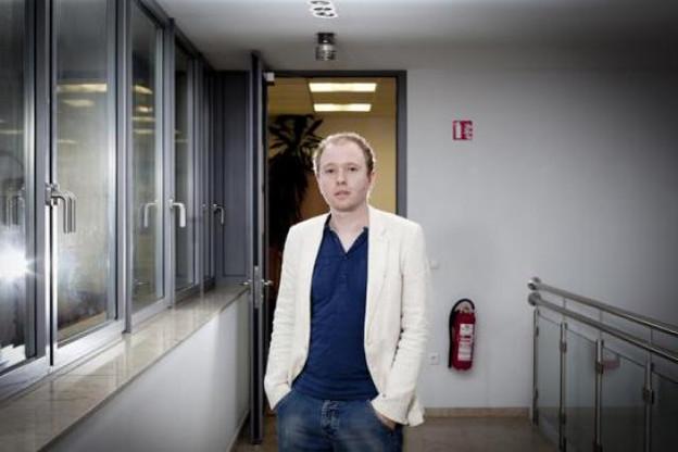 Sven Breckler (Beewee) béni du Cyel? Il n'attend en tout cas pas le résultat final pour attirer la lumière. (Photo : Jessica Theis)