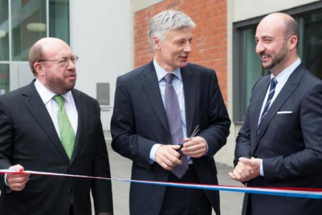La délégation gouvernementale devant le nouveau Technoport à Belval : François Biltgen, Claude Wiseler et Etienne Schneider. (Photo : Charles Caratini)