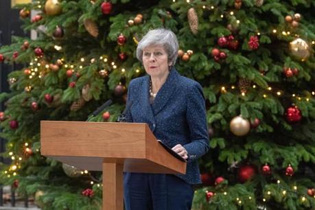 Ils ne sont guère nombreux à faire des cadeaux à Theresa May pour le moment. (Photo: Shutterstock)