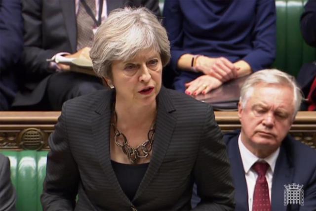 L'adoption d'un amendement donnant le dernier mot aux députés sur l'accord du Brexit constitue un nouveau camouflet politique pour Theresa May, de plus en plus affaiblie. (Photo: Parliament TV)