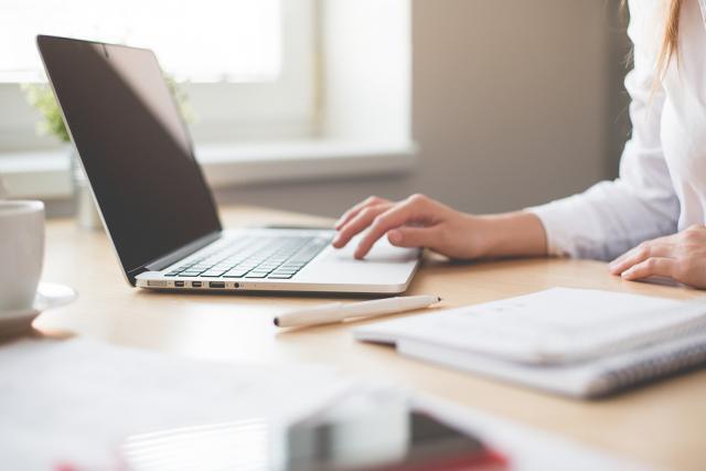 Selon une étude du Liser, certains logiciels destinés à faciliter la communication peuvent avoir des effets négatifs sur les salariés. (Photo: Licence C.C.)