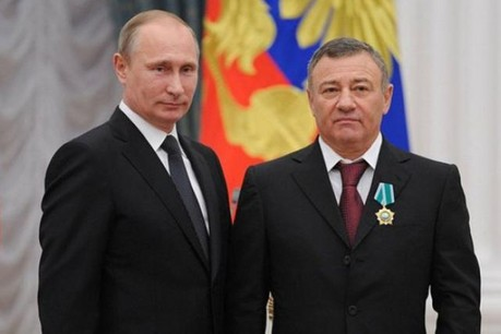 Arkady Rotenberg aux côtés de son ami Vladimir Poutine (Photo: administration de la présidence russe)