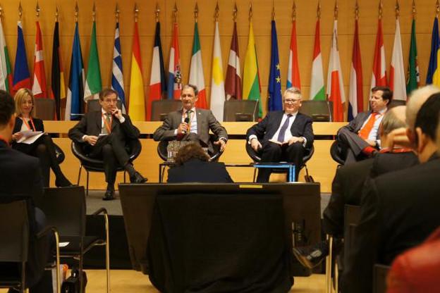 Pour chacun des banquiers présents à la table ronde, la «compliance» représente une part très importante de leur budget réservé à la transformation digitale. (Photo: DR)