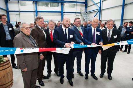 Le ministre de l'Économie, Étienne Schneider, a inauguré le bâtiment Luxite One aux côtés duministre des Transports, François Bausch. (Photo: Lala La Photo)