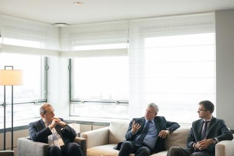 Yves Stein, Paul Scholten et Cédric Lebbege dressent un premier bilan de la collaboration de KBL epb avec Lombard Odier. (Photo: Sébastien Goossens)
