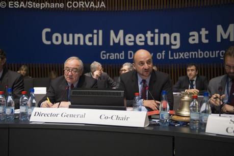 Jean-Jacques Dordain, directeur général de l'ESA et Étienne Schneider, vice-Premier ministre. (Photo: SIP)
