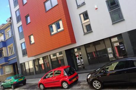 L'immeuble abritant le restaurant de la Stëmm avec, à gauche, l'immeuble pour lequel le propriétaire a saisi la justice. (Photo: paperJam.lu)