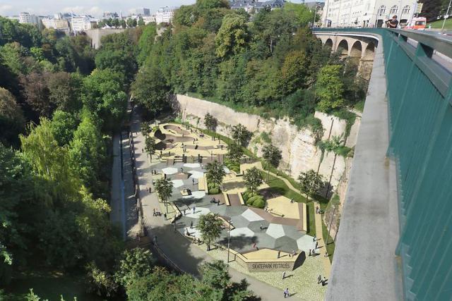 Le «Skatepark Péitruss» prendra place sous le viaduc, dans la rue Saint-Quirin. (Illustrations: Ville de Luxembourg)