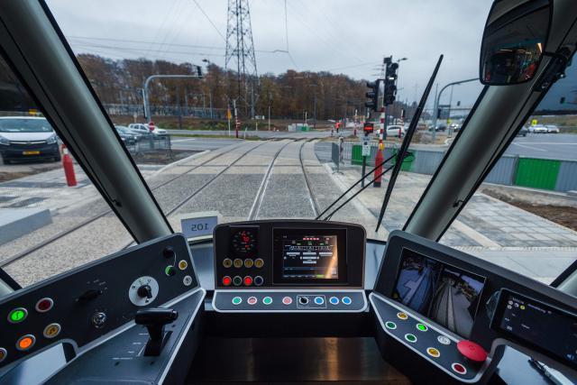 La décision de mettre en œuvre un tram capable de circuler à 100km/h entre Luxembourg-ville et Esch-Belval à l'horizon 2035 devra être prise par le prochain gouvernement. (Photo: Mike Zenari / archives)