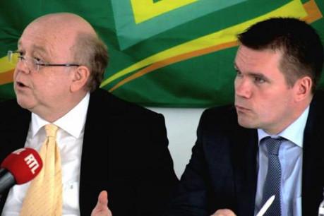 Gaston Reinesch (à gauche, aux côtés de Claude Strasser): « Un bilan fondamentalement sain ». (Photo : archives paperJam)