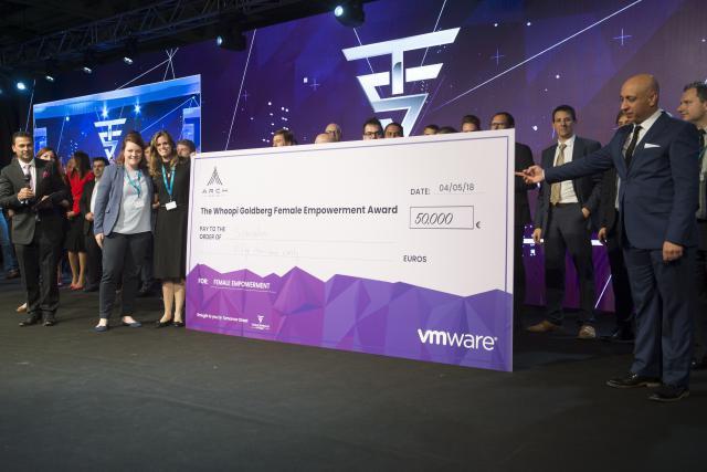 C'est la start-up luxembourgeoise StarTalers qui a gagné un prix de 50.000 euros avec son application qui aide les femmes à mieux gérer leur épargne. (Photo: Anthony Dehez)