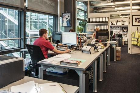 Collaboration entre collègues, participation, feed-back fréquents et rôles bien définis favorisent la motivation au travail, selon l'étude publiée par la CSL. (Photo: Mike Zenari / archives)