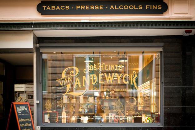 «Tout l'aménagement de la boutique a été conçu par des artisans luxembourgeois», déclare Charles Lemmer, directeur des ventes de Heintz van Landewyck. (Photo: Binsfeld)