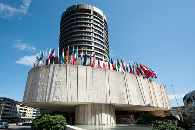 La Commission européenne procédera à une consultation approfondie et une analyse d'impact du document sur lequel s'est mis d'accord le comité de Bâle (photo), avant de le ratifier. (Photo: www.bis.org)