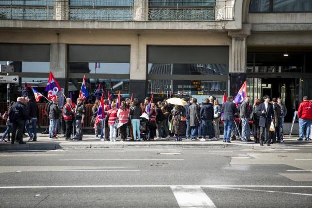 Après plus de deux mois sans revenu, les salariés de l'Hôtel Alfa pourraient voir le bout du tunnel avec l'annonce attendue vendredi de la mise en faillite d'Alfa Hôtel sàrl. (Photo: Maison Moderne/archives)