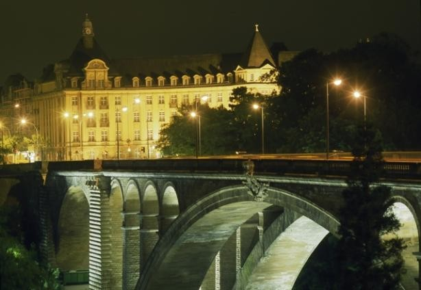 copy_of_view_of_the_adolphe_bridge_and_bcee_at_night.ontl_.jpg