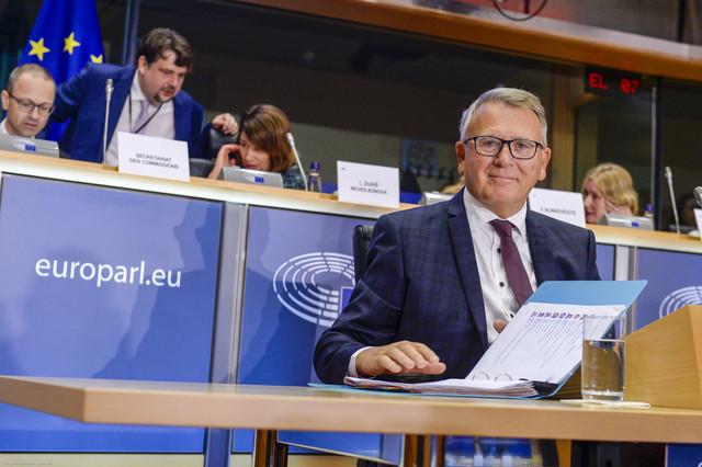 Le futur commissaire luxembourgeois avait minutieusement préparé son audition. (Photo: European Union 2019 /Source: EP)
