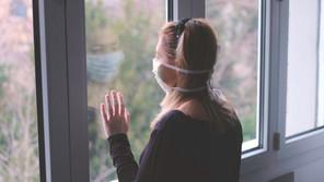 Les patients mis en quarantaine ou en isolement ont parfois du mal à rester cloîtrés chez eux, déplorent les autorités sanitaires. (Photo: Shutterstock)