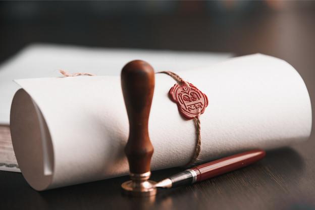 Les notaires ne souhaitent pas se voir appliquer le projet de loi transposant la directive sur l'obligation de déclaration des dispositifs transfrontières. (Photo : Shutterstock)