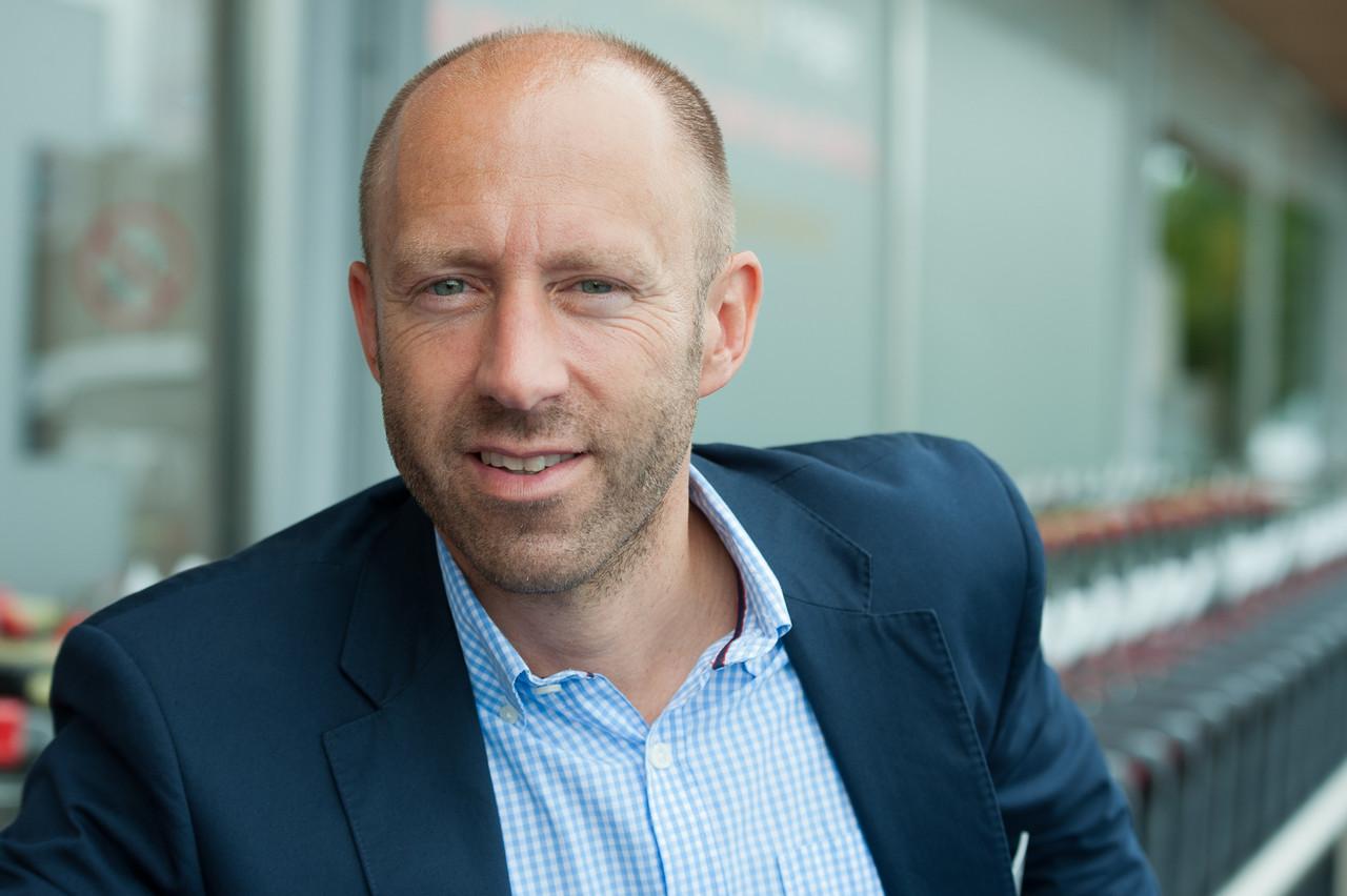 Dirk Kirschvink planche sur une nouvelle application mobile dédiée à la carte de fidélité, mais aussi sur l'instauration d'un service de click & collect. (Photo: Delhaize)