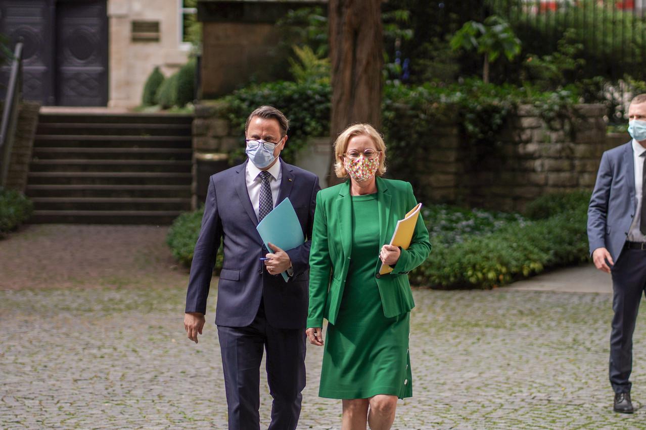 Ici aux côtés du Premier ministre, la ministre de la Santé, PauletteLenert, a annoncé 33foyers de contamination et 648infections sur une semaine. (Photo: Romain Gamba/Maison Moderne)