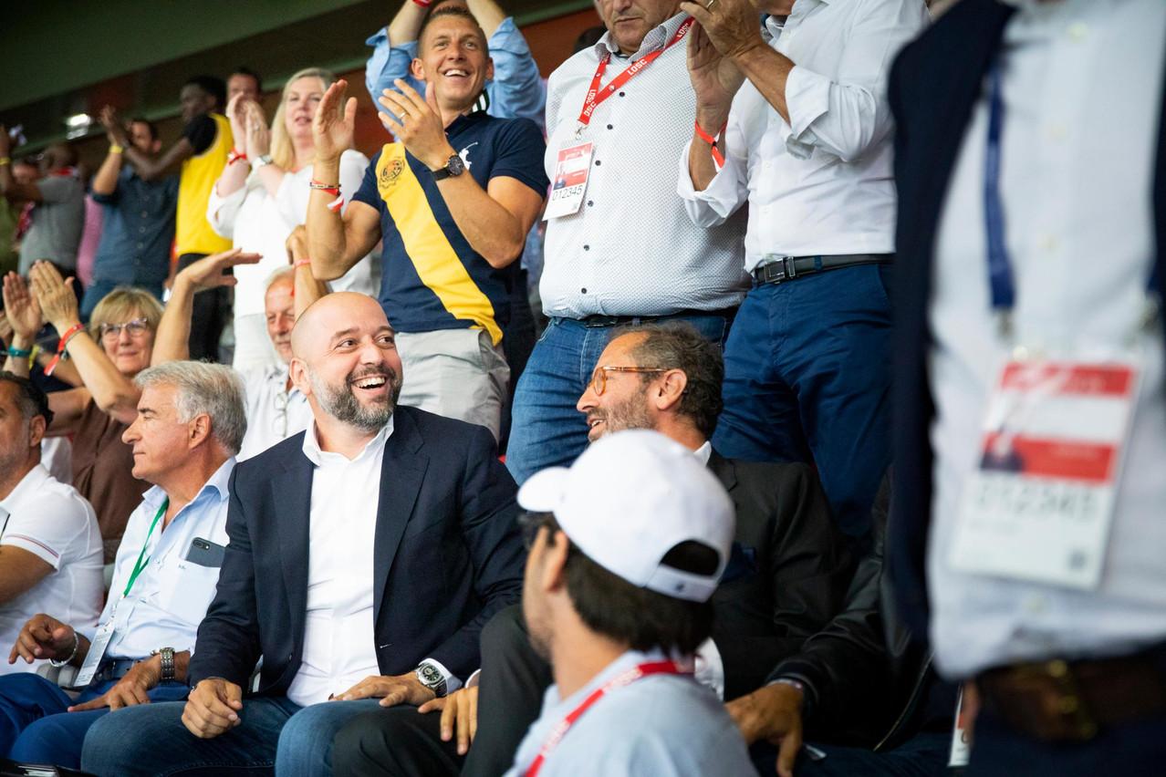 Soulagement: En ce soir de match, le Losc gagne 3-0 face à Saint-Étienne. Le président a attendu le coup de sifflet final pour laisser éclater sa joie. (Photo: Patricia Pitsch / Maison Moderne)