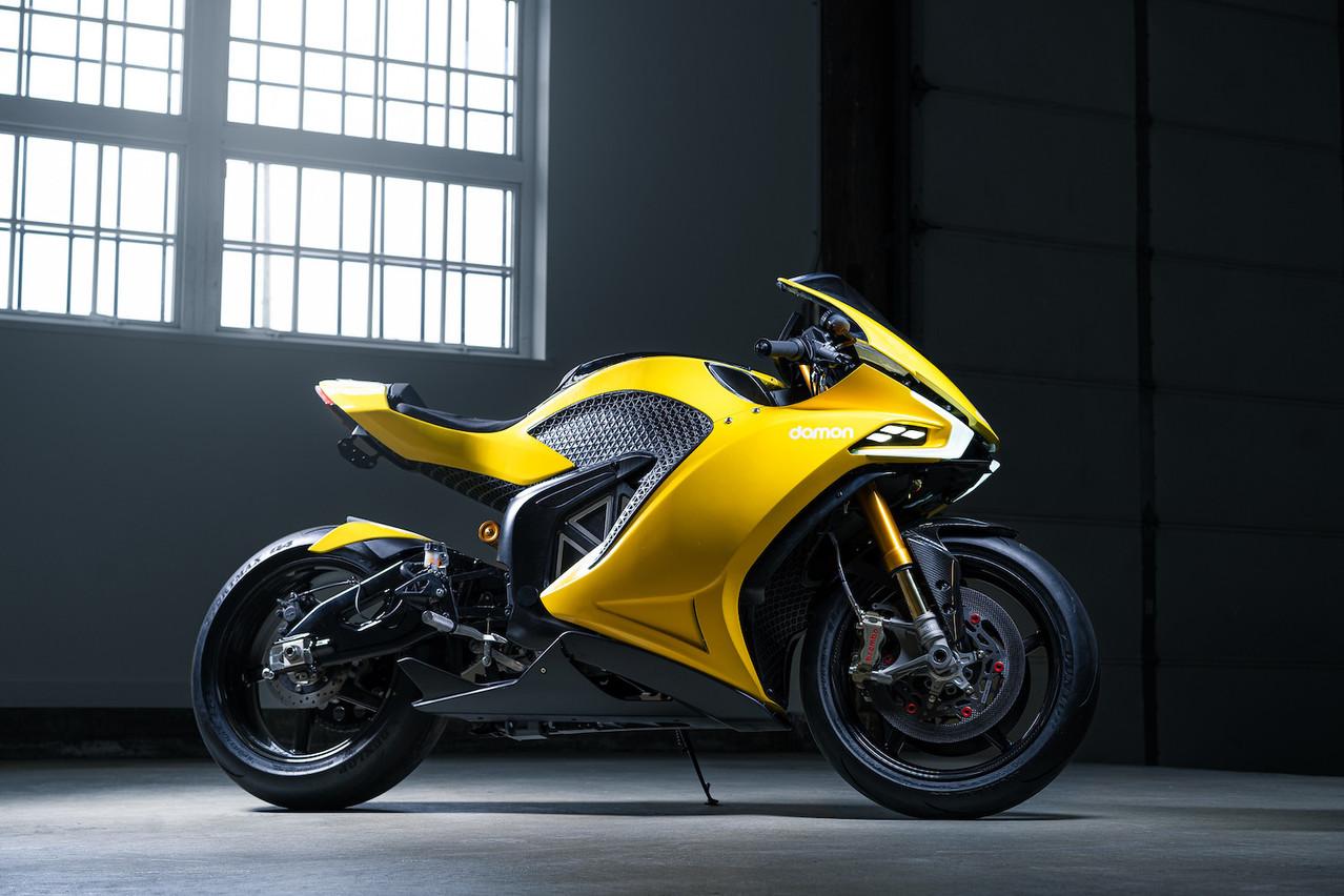 Bourrée de technologie, la Damon Hypersport est la première moto électrique 100% rechargeable à domicile. (Photo: Damon)