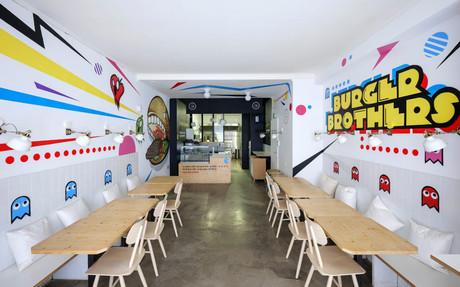 Ambiance ludique et urbaine: interdit de se prendre au sérieux chez Burger Brothers, ce qui n'empêche évidemment pas se régaler… (Photo: Eric Chenal)