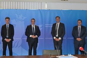 Le ministre de l'Économie FranzFayot, celui de l'Enseignement supérieur et de la Recherche ClaudeMeisch, ainsi que le CEO et le président du conseil d'administration du List, ThomasKallstenius et JacquesLanners, ont présenté un nouveau centre d'innovation en collaboration avec l'Agence spatiale européenne. (Photo: SIP)