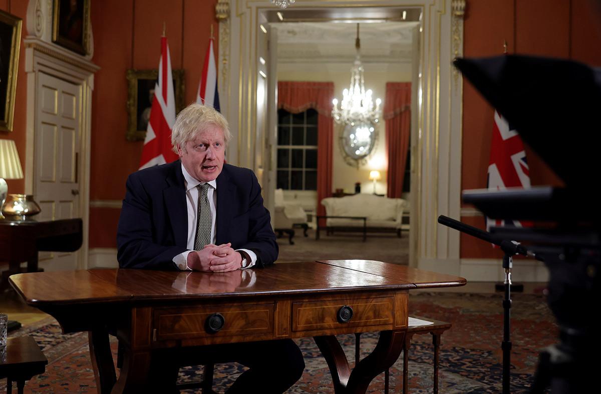 Le soir de la rentrée des classes, le Premier ministre britannique, Boris Johnson, a annoncé un nouveau reconfinement pour faire face à la propagation de la variante du Covid-19. (Photo:Andrew Parsons / No 10 Downing Street)