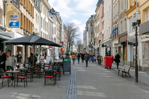 La Grand-Rue accueille trois nouveaux pop-up stores cet été, tandis que la Ville lance un nouvel appel aux propriétaires et commerçants pour remplir d'autres cellules vacantes. (Photo: Romain Gamba/Maison Moderne)