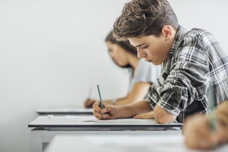 Seule la matière vue en classe pourra faire l'objet de questions d'examen. (Photo: Shutterstock)