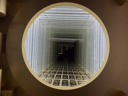 Cette installation est l'une des œuvres exposées dans le nouvel espace de vente. ((Photo: Maison Moderne))