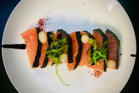 Le saumon gravlax maison de L'Avenue, tapas à succès de l'été qui a inspiré une version automnale sur la nouvelle carte d'Arnaud Deparis. (Photo: Maison Moderne)
