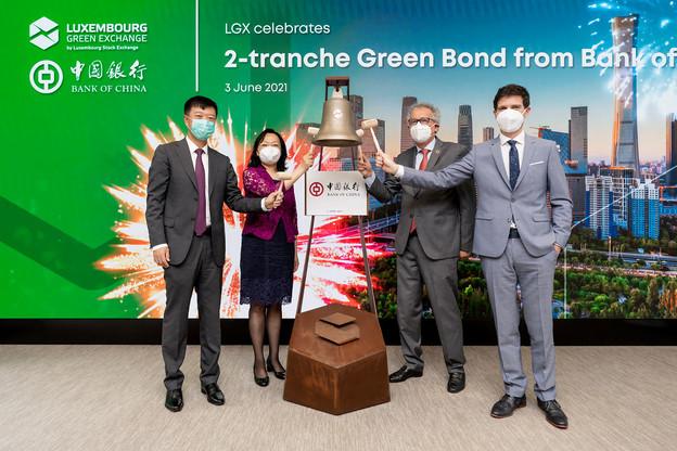 Séance d'introduction pour la nouvelle obligation verte de Bank of China, en présence du ministre des Finances, PierreGramegna, et de l'ambassadeur de Chine au Luxembourg, Yang Xiaorong. (Photo: Luxembourg Stock Exchange)