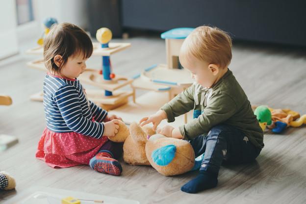 Éviter au maximum les contacts entre les enfants: un véritable challenge qui attend le personnel des crèches. (Photo: Shutterstock)