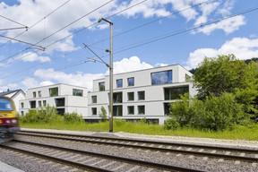 La résidence se trouve à proximité de la gare. ((Photo: Lukas Roth))