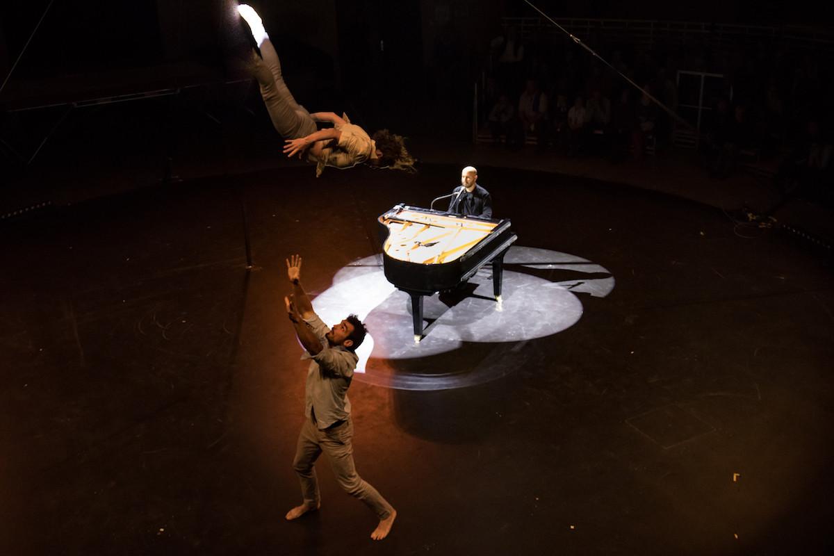 «Piano sur le fil», un spectacle de cirque présenté dans le cadre des Pianos Days. (Photo: DR)