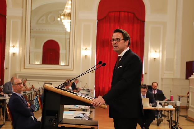 Le Premier ministre DP a rappelé la fragilité de la sortie de confinement et annoncé de nouvelles aides à venir. (Photo : Chambre des députés)