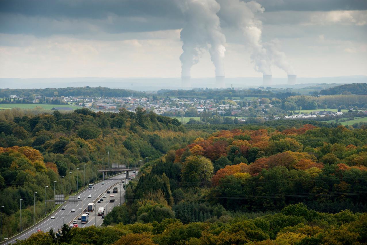 Devant le Conseil d'État, Greenpeace conteste que la durée de vie des centrales nucléaires, comme Cattenom sur cette photo, soit prolongée sans que cette décision soit accompagnée d'un audit environnemental et d'un dialogue avec les pays voisins. (Photo: Archives Paperjam)