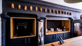 La cuisine porte encore les traces du passé. ((Photo: GeorgesWaringo))