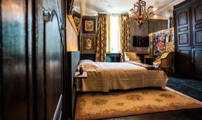 La chambre «Peggy's» est plus richement décorée. ((Photo: Georges Waringo))