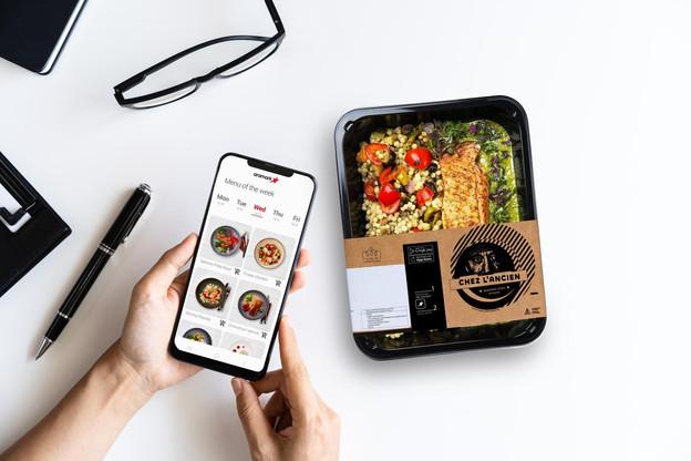 Une fois que l'entreprise a pris langue avec Aramark, ses employés peuvent, via un QR code, accéder aux menus proposés et commander à manger. (Photo: Aramark)