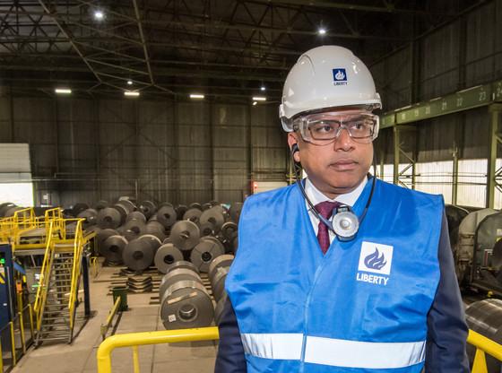 Le CEO de GFG Alliance – maison mère de Liberty Steel –, Sanjeev Gupta, ici lors de la prise de contrôle de l'usine de Dudelange en 2019, a assuré qu'il trouverait une solution alternative à Greensill. (Photo: archives Maison Moderne)