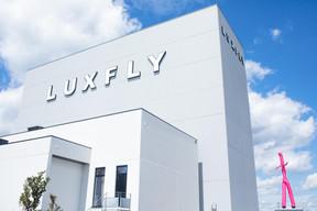 En s'installant à Sterpenich, Luxfly Skydive a choisi une position stratégique, proche de la France et du Luxembourg, dans la zone commerciale près d'Ikea. ((Photo: Matic Zorman / Maison Moderne))